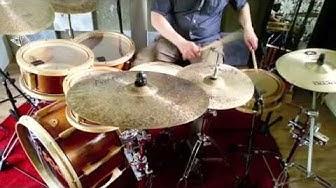 Saari-rummut & Amedia cymbals