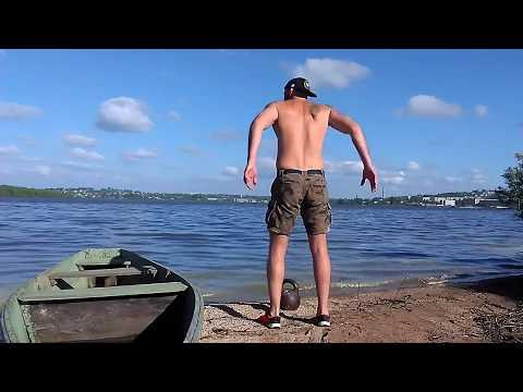 Тренировка в г. Кушва. Гиря 32 кг, вода, солнце и песок.