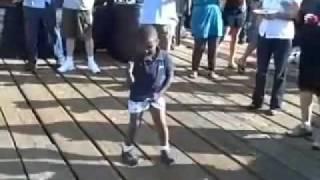 Śmieszne Filmy - Małe dziecko ukradło show