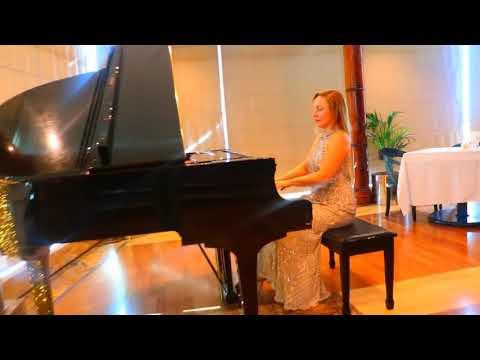Super Female Lobby Pianist - Dubai Music Booking Service - Dubai Talent Bookers