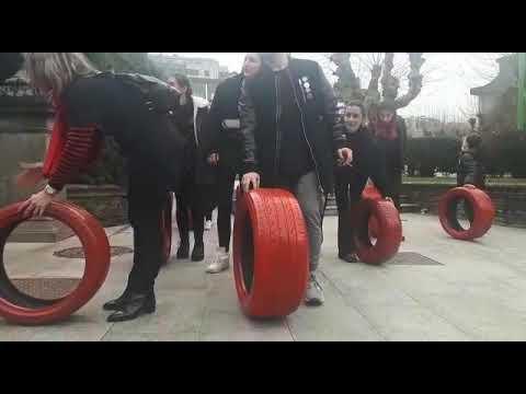 Los alumnos de la EASD Ramón Falcón toman las calles de Lugo