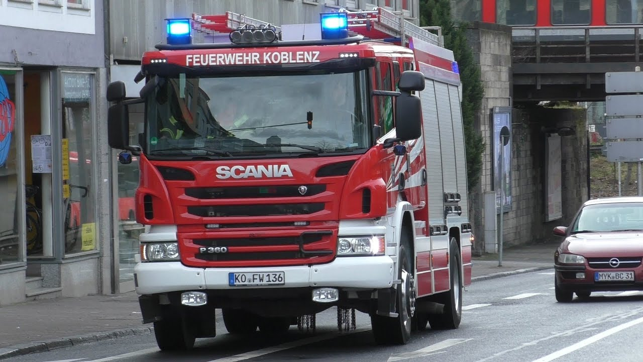 HLF 20-1 BF Koblenz + RTW 4/83-1 BWZK Koblenz - YouTube