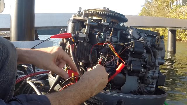 No spark? How to test CDI ignition on an outboard motor - YouTube