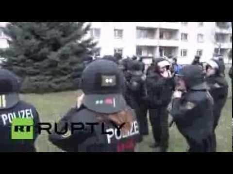 Germany: Antifa blockade confronts Dresden police