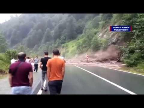 Massive landslide caught on camera, narrow escape | VIDEO