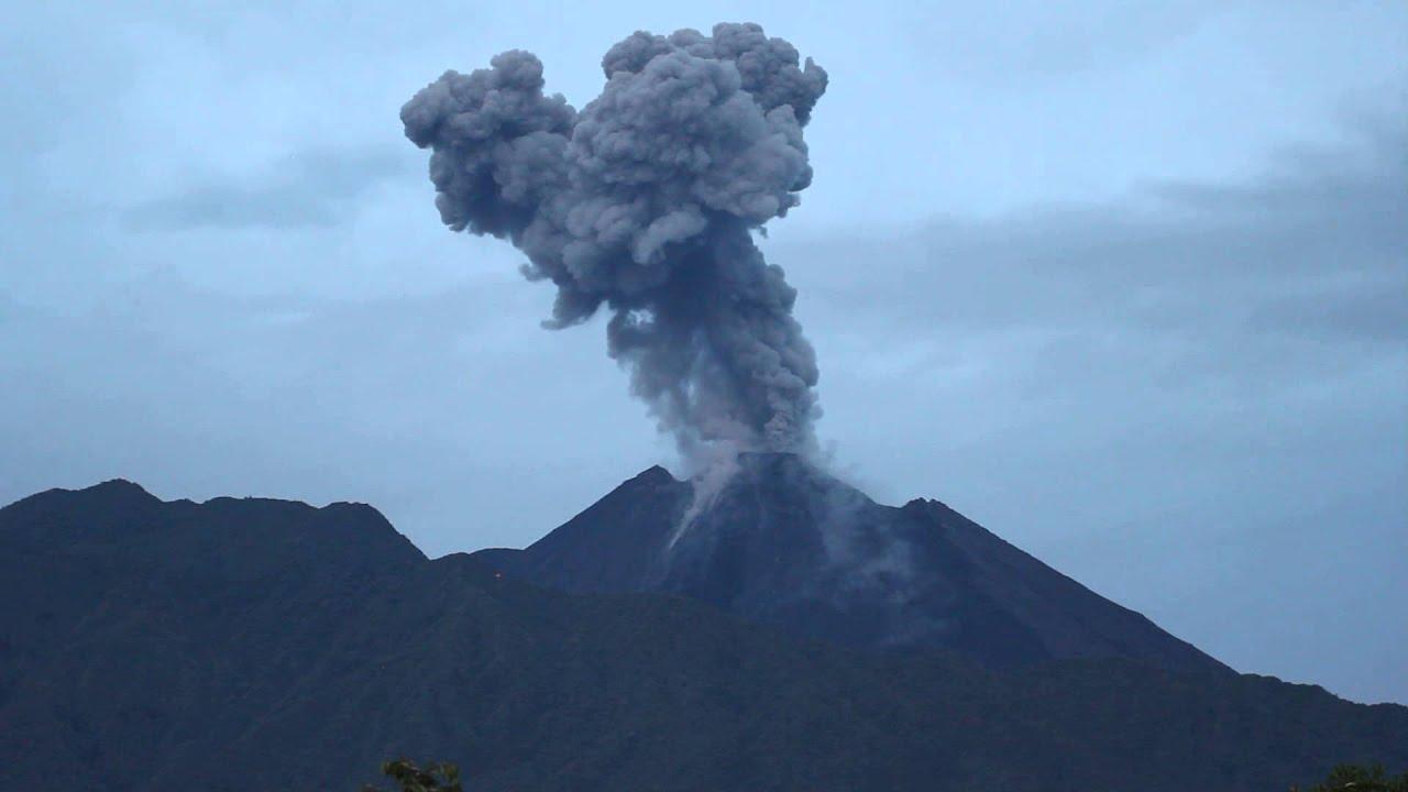 Volcan Reventador August 11  2013