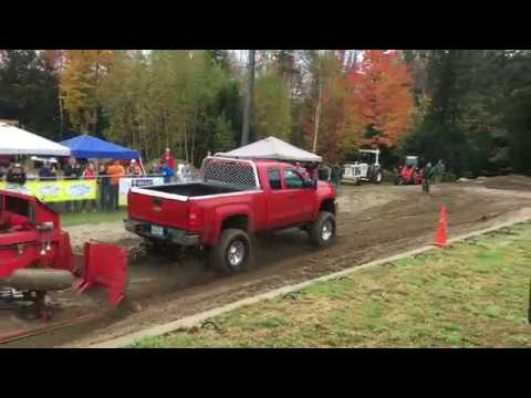 Sandwich Fair Truck Pulls 2017