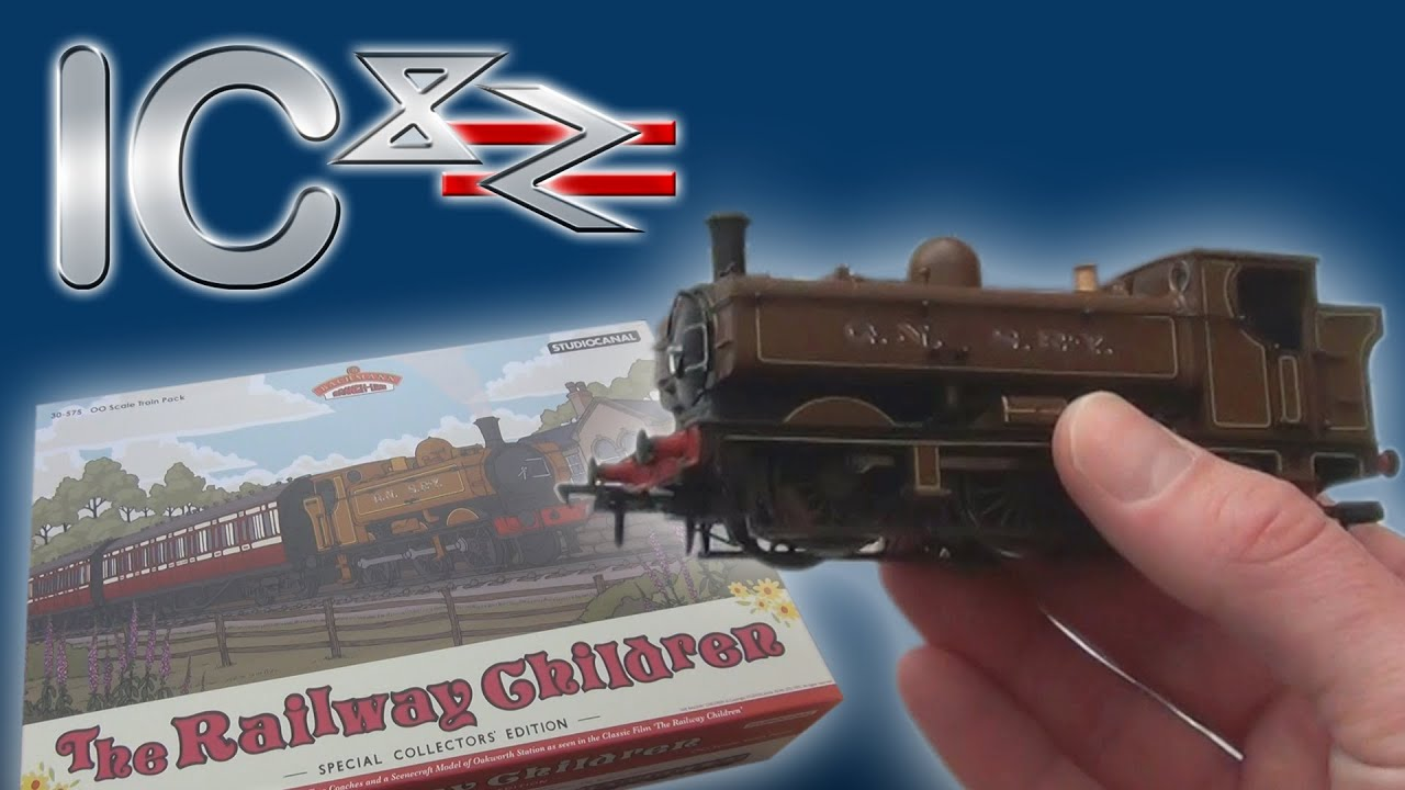 Opening The Railway Children Train Pack