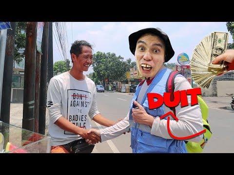 Prank Otong RAMPOK bank part 2 !! Otong nyobain jadi PENJUAL TISSUE !!