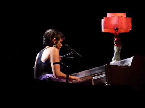 Norah Jones Love Me @ Olympia Paris