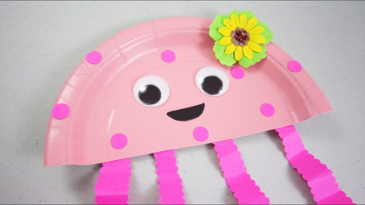 & How to make a paper plate jelly fish - EP - simplekidscrafts - YouTube