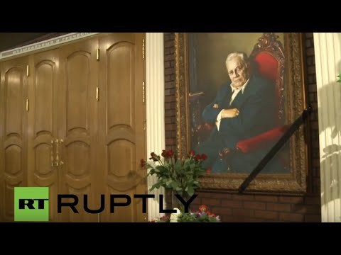 Russia: Mourners gather to pay respects to Eldar Ryazanov in Moscow