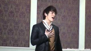 Jonghyun practising his high notes fo hot times at MuCore