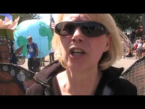 Fremont Solstice Parade: Food and Water Watch, Yes On 522 - GMO Toxic Trespass