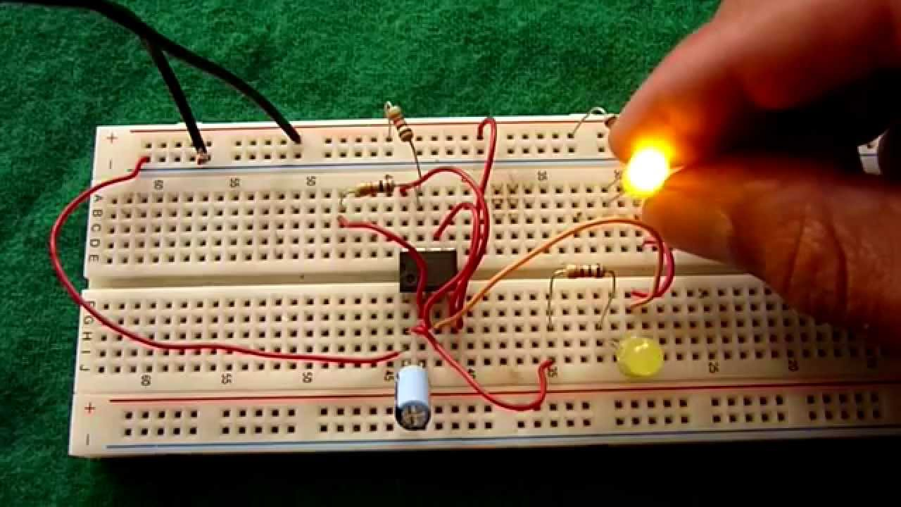Circuito Led Intermitente : Circuito intermitente para leds fácil de hacer youtube