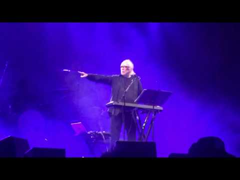 John Carpenter - Halloween Main Theme (Live @AragonBallroom Chicago, IL 11/9/17