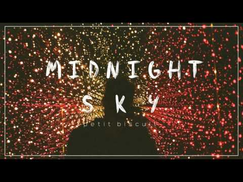 Petit Biscuit - Midnight Sky mp3 indir