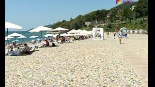 видео Где в Адлере песчаные пляжи и чистое море для отдыха с детьми?