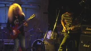 at PINKNOISE 4th Oct 2009 Song:Inside Out KEN:GUITAR,VOCAL ZIGEN:GU...