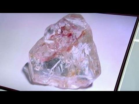 Enormous 709-carat diamond for sale