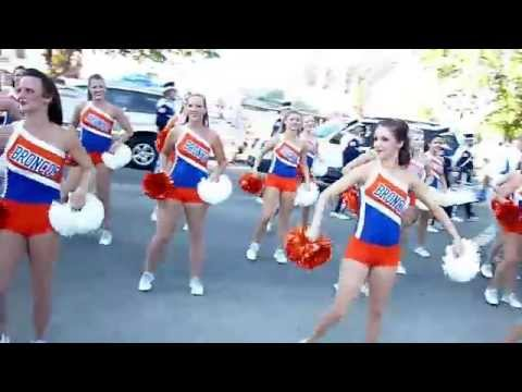 Boise State Cheerleaders (main lineo;? dancers) & Blue Thunder Marching Band 2011 from YouTube · Duration:  4 minutes 31 seconds