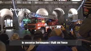 I Vigili del Fuoco salvano la Befana ad Orvieto