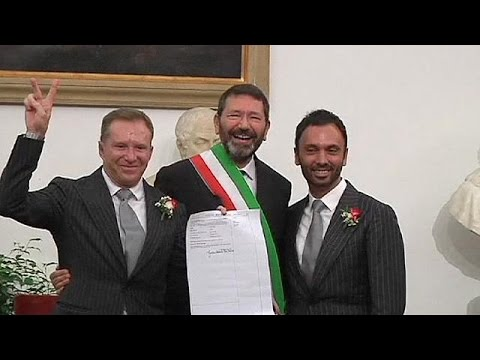 Gay marriages registered in Rome in defiance of Italian law