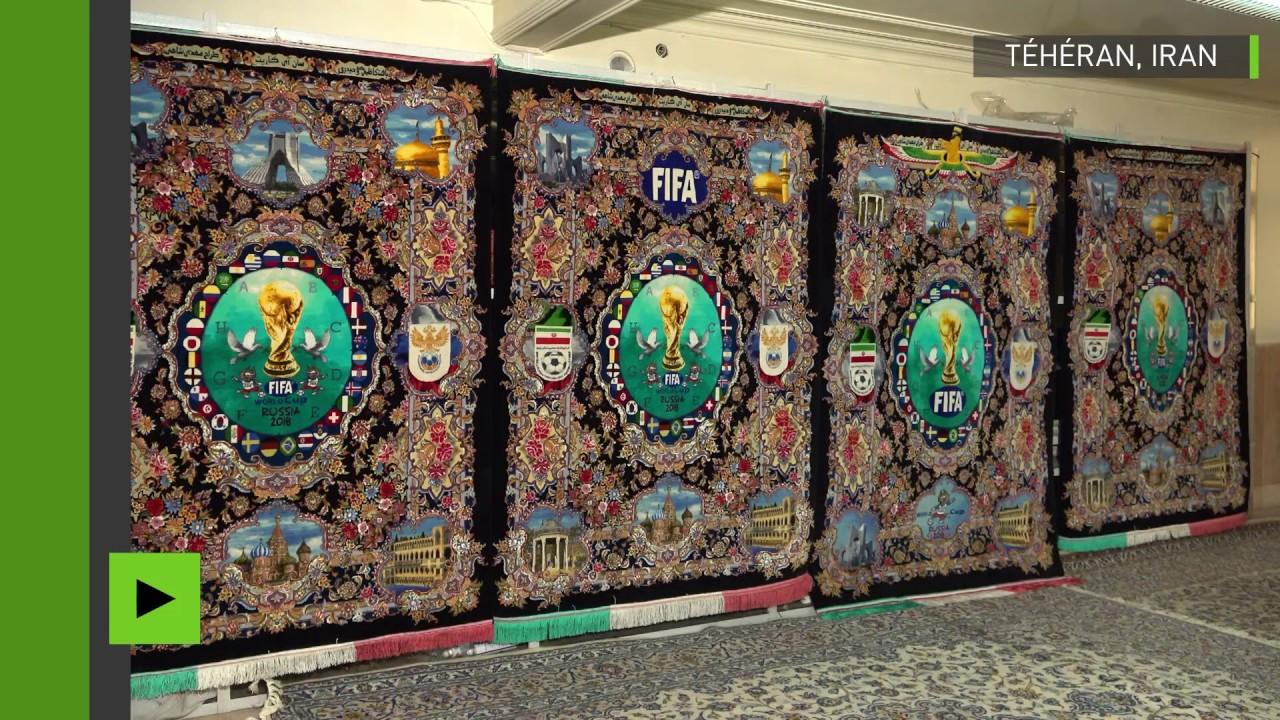des tapis brod s aux couleurs de la coupe du monde en russie pr sent s t h ran youtube. Black Bedroom Furniture Sets. Home Design Ideas