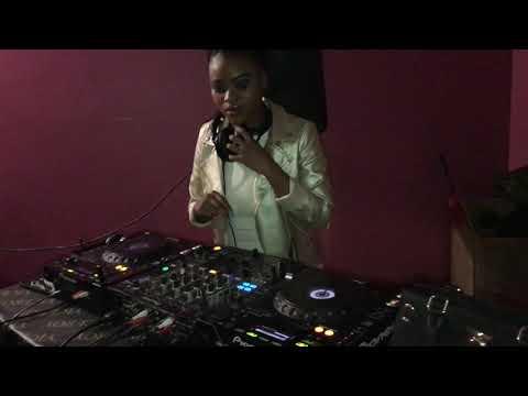 Ladies On Fleek Dj Portia Luma at Umtata Lounge 🎚🎛🎧🇿🇦