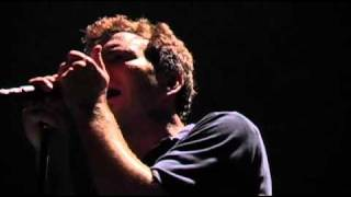 Pearl Jam Live at The Garden 11 - Low light (High Quality)