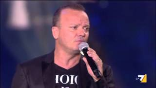 Gigi D'Alessio in concerto - #Spegniamoifuochi - #NoisiamoD'AlessianiOfficialgroup