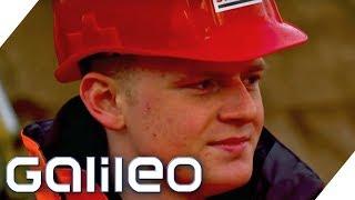 Plötzlich Bauarbeiter: Wie hart ist der Straßenbau? | 2/4 | Galileo | ProSieben
