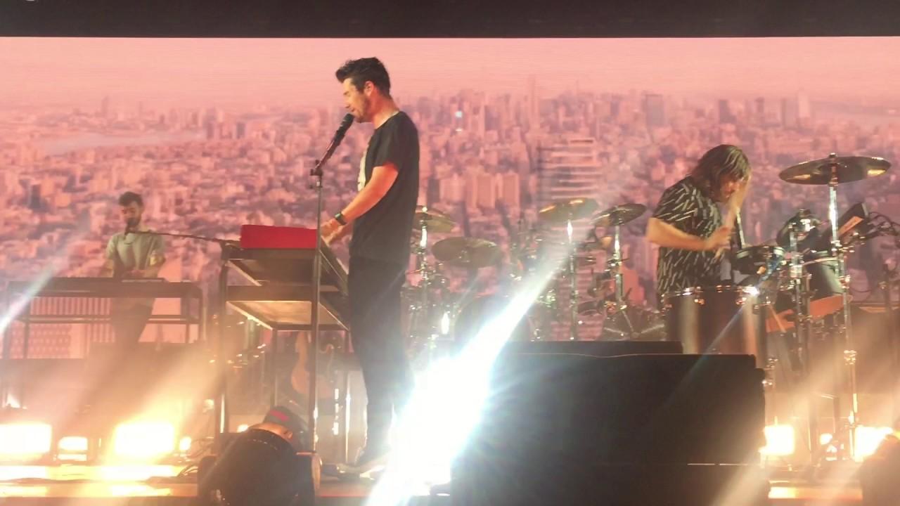 Bastille - Glory   Live Max-Schmeling-Halle Berlin 25/11