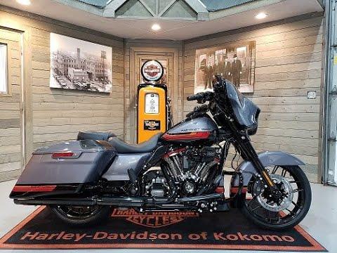 2020 Harley-Davidson CVO Street Glide FLHXSE-Smoky Gray & Black Hole.