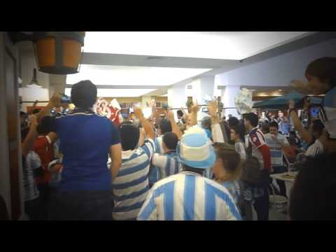Singing Argentine football fans take over a Brazilian food court in Porto Alegre- World Cup 2014