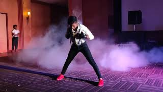 U turn dance performence