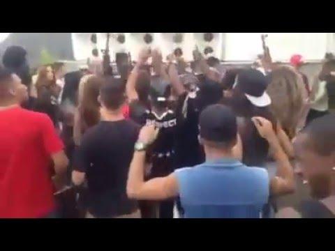 Baile Funk em Morro no Rio de Janeiro so os traficante de fuzil pro alto
