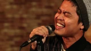 Thinker Studios | HLive Unplugged: Firman - Di Pintumu (Akustik)