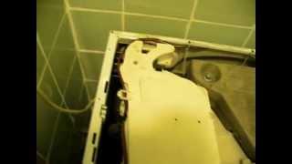 Ремонт стиральной машины  своими руками, легко. Устранение протечки воды.(Типичная неисправность. Ремонт стиральных машин Hotpoint-Ariston и других на дому. Устройство стиральной машины...., 2013-05-10T17:04:06.000Z)