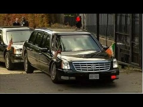 Obama's ''Beast'' Cadillac Limo stuck on ramp/speed bump