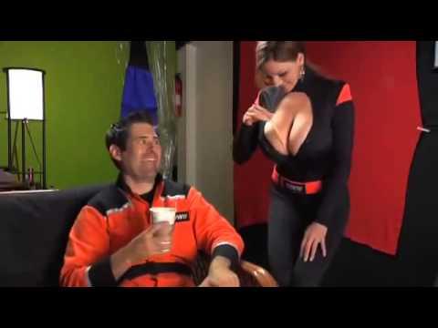 [KOCAK] video lucu cewek pamer payudara gede