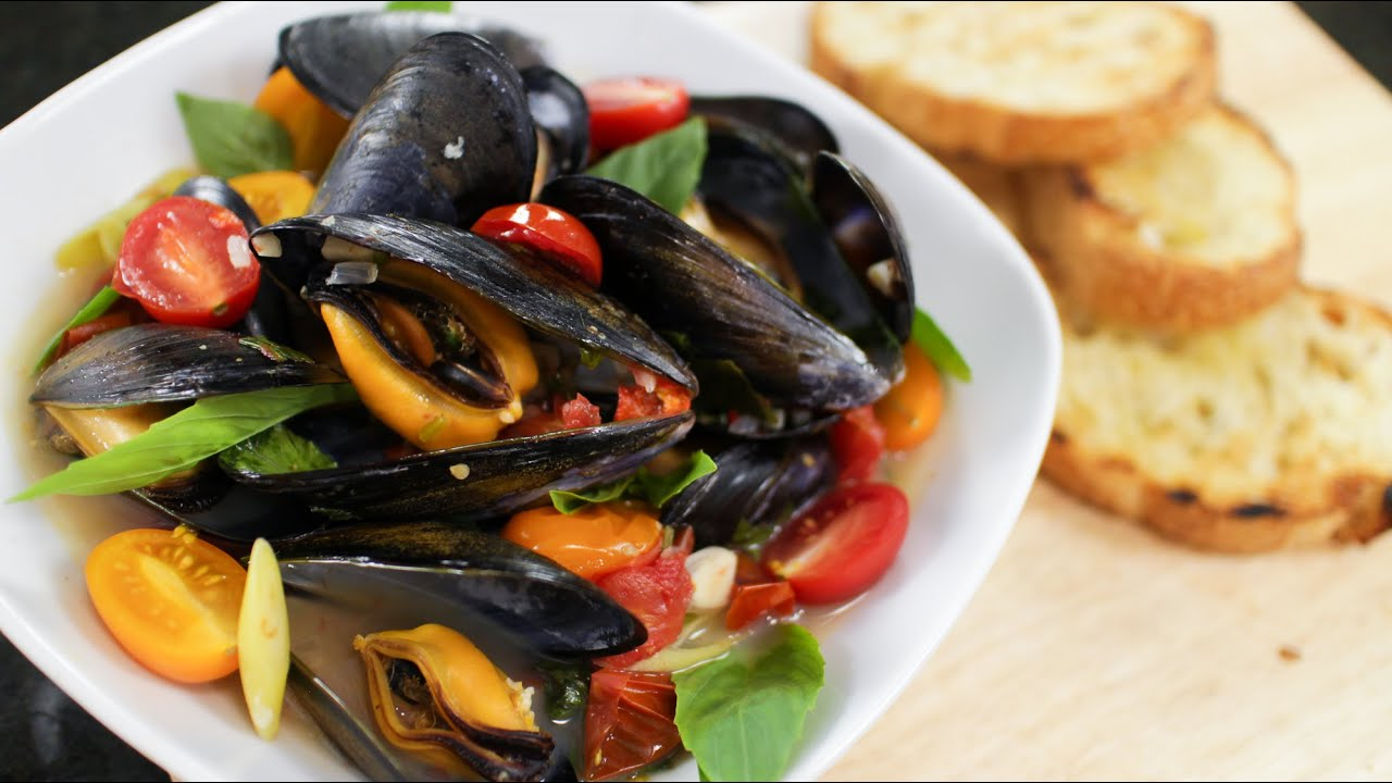 Thai mussels recipe hot thai kitchen youtube forumfinder Image collections