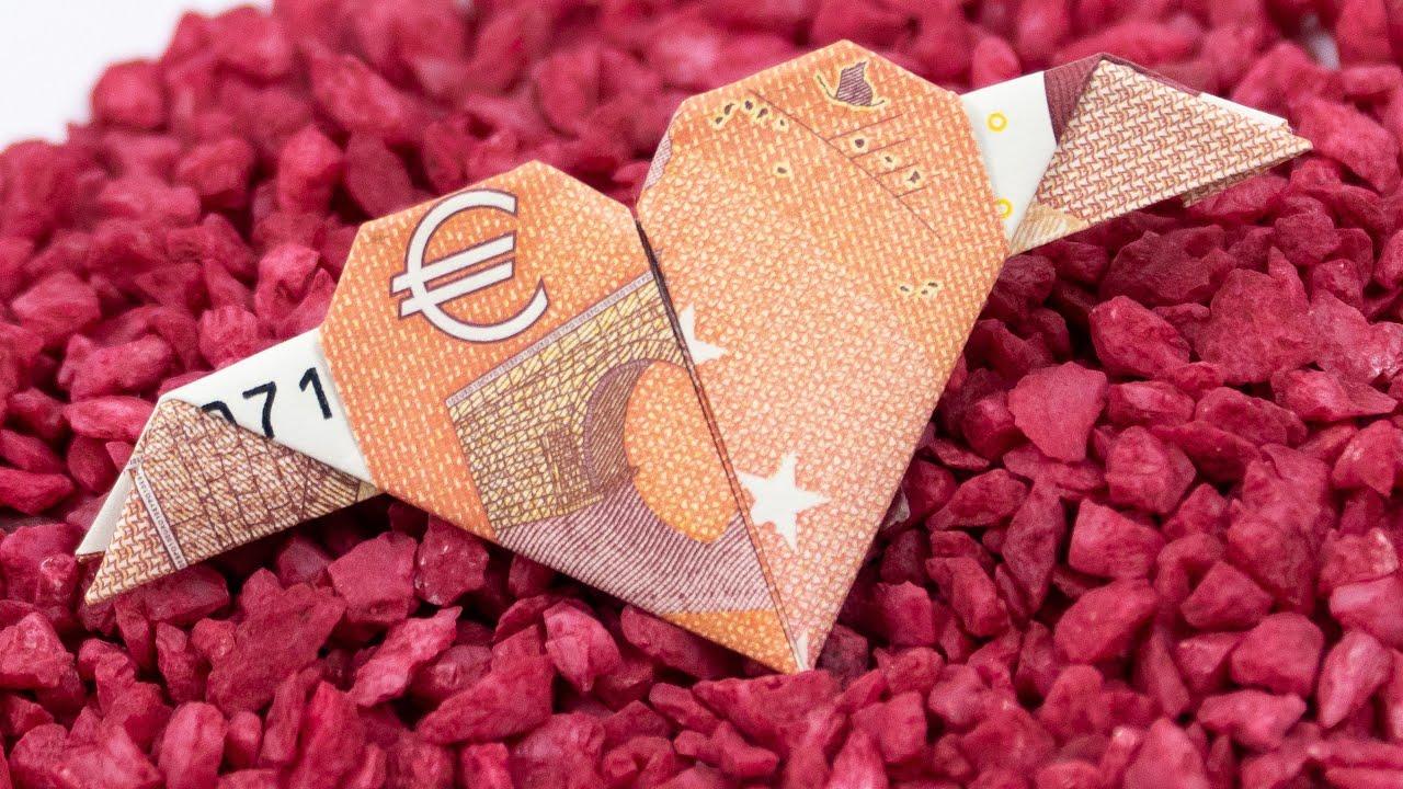 Geld Falten Herz Mit Flügeln Geldgeschenke Zur Hochzeit Basteln