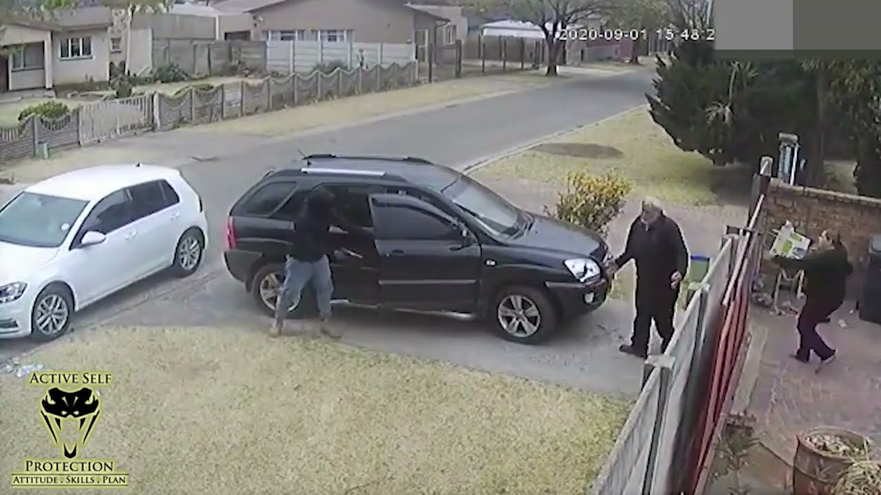 Dog Beats Armed Robbers In South Africa