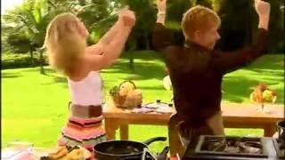 Roberto Leal cozinha para Angelica