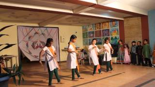 kids dance on i love my india...