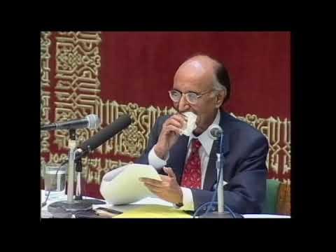 Mushtaq Ahmad Yousufi In Aga Khan University Complete Program