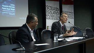 Professor da USP ministra palestra sobre a crise política brasileira