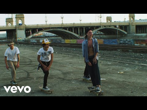 Смотреть клип Steven Moses - Sober Up