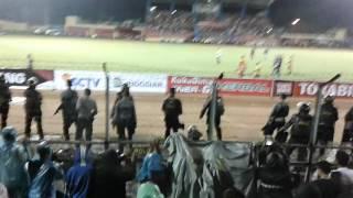AREMA Takluk Dari SEMEN PADANG FC Begini Reaksi PEMAIN DAN SUPORTER Di GOR H. AGUS SALIM